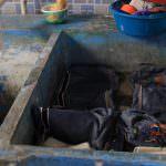 グアテマラでデニムを洗う。